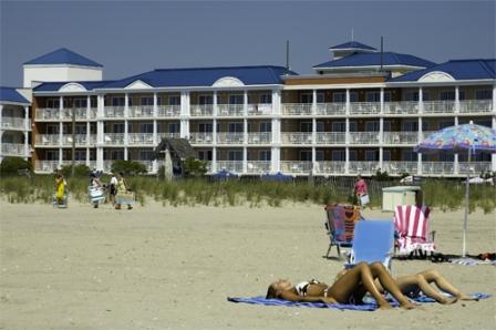 La_Mer_Beachfront_Inn_03
