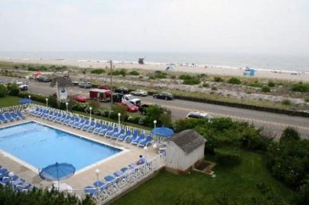 La_Mer_Beachfront_Inn_04